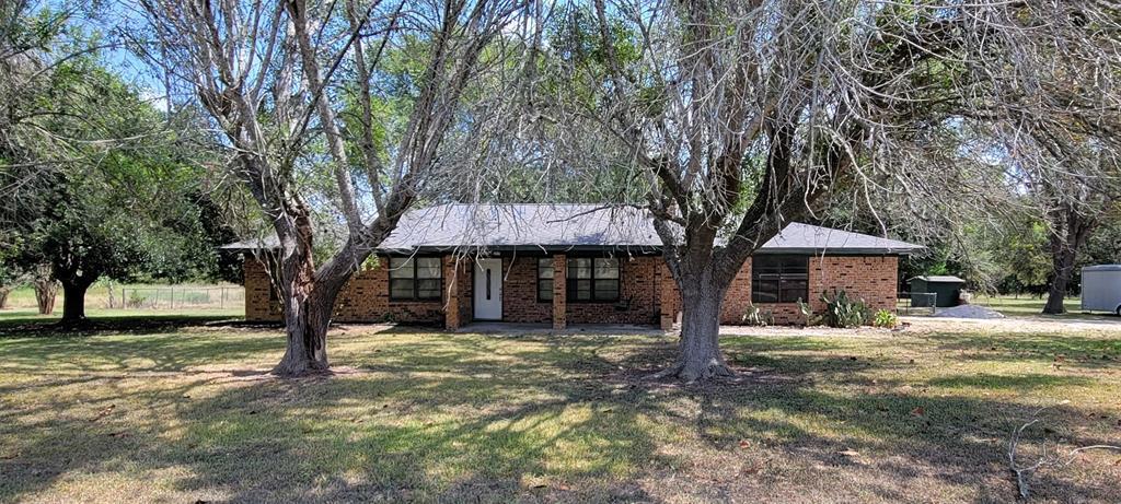 1683 County Road 377, Hallettsville, TX 77964