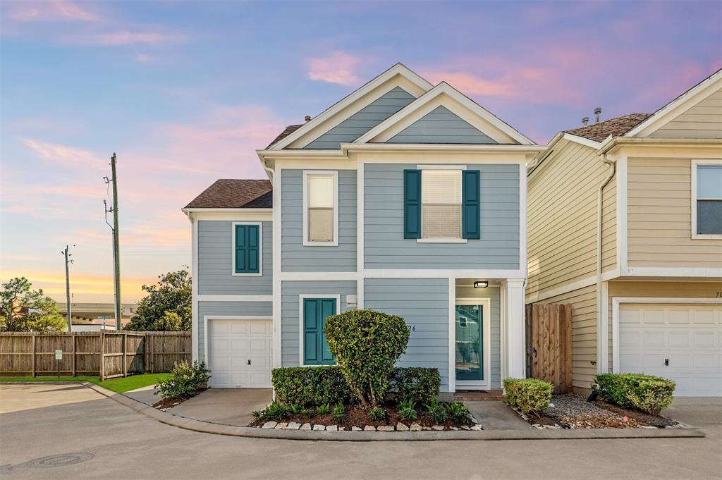 7026 Woodridge Row Drive, Houston, TX 77087
