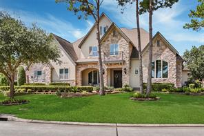 14 S Knightsgate Circle, The Woodlands, TX 77382