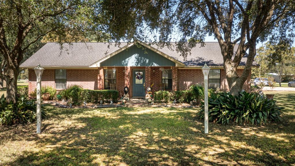 1393 County Road 406, El Campo, TX 77437