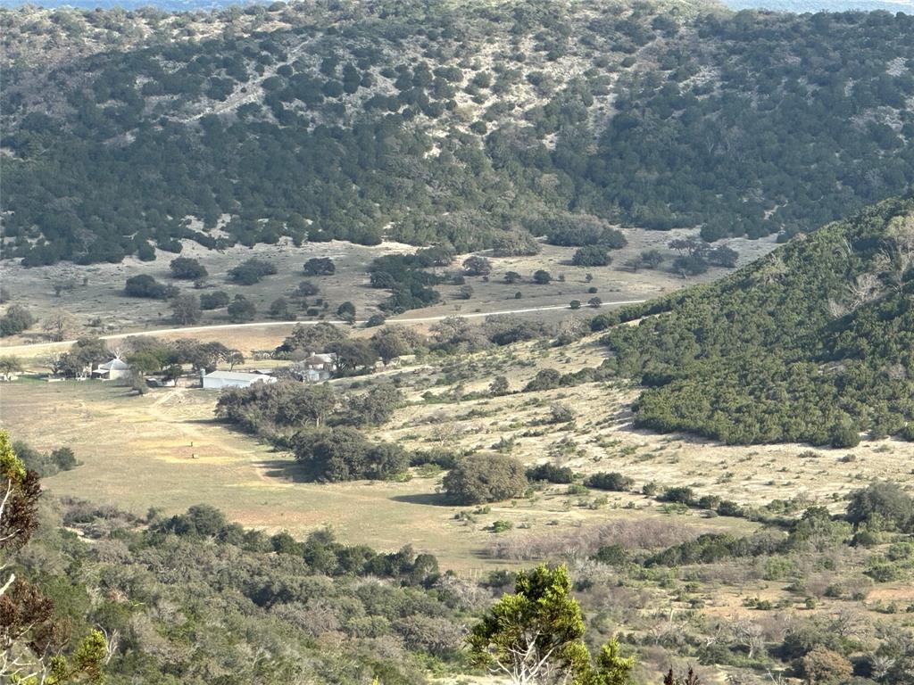 000 Patterson Creek Road, Leakey, TX 78873