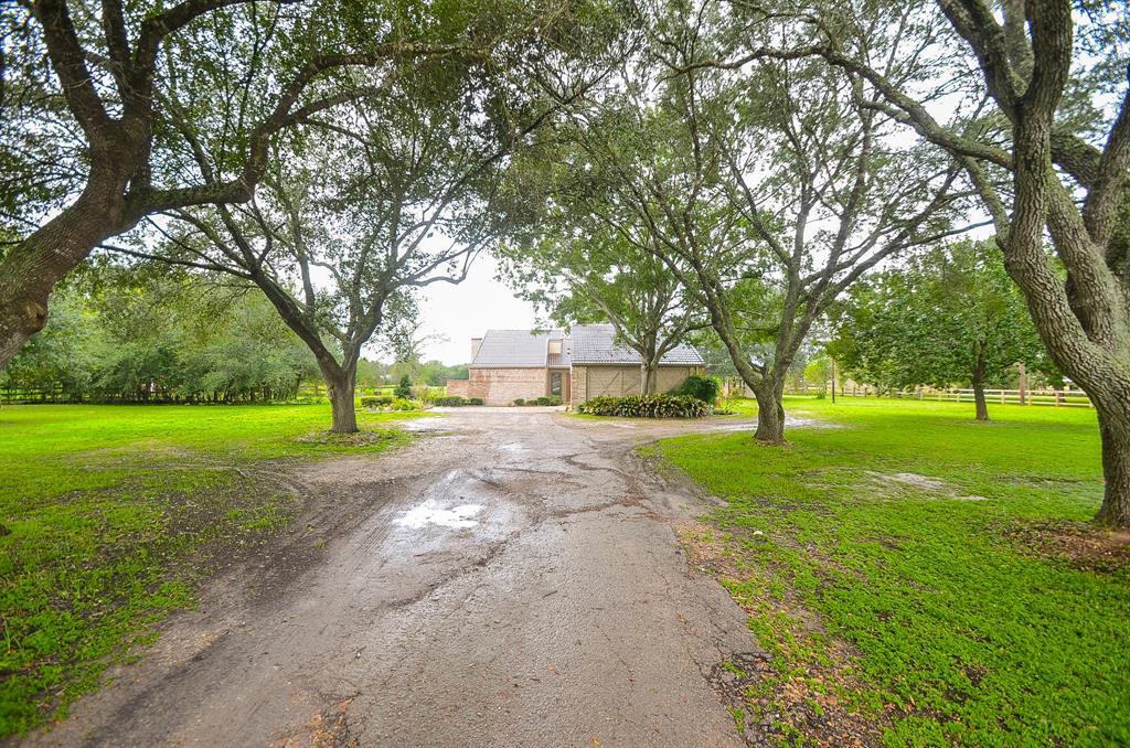 10511 Hidden Lake Lane, Richmond, TX 77406