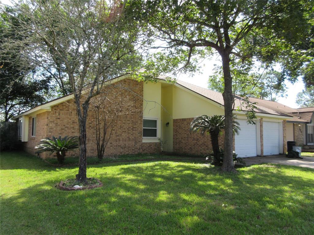 310 Enfield Drive, Highlands, TX 77562