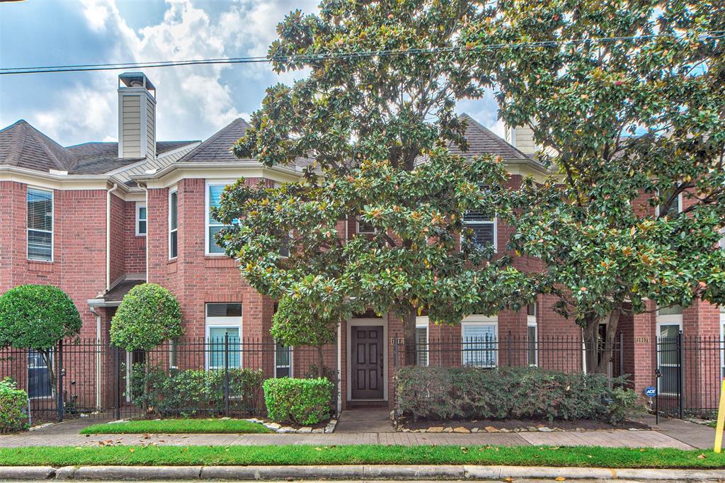 1919 2 Genesee Street, Houston, Texas 77006, 2 Bedrooms Bedrooms, 8 Rooms Rooms,2 BathroomsBathrooms,Townhouse/condo,For Sale,Genesee,32802247