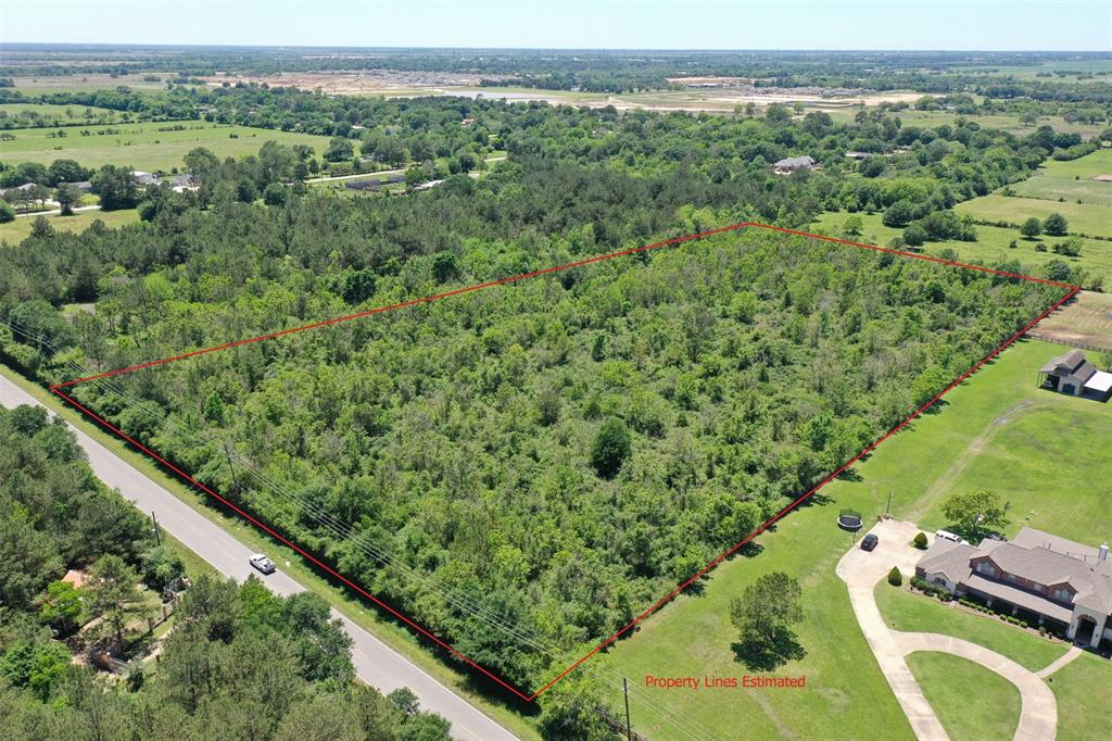 Outstanding investment opportunity with great visibility. Unrestricted ten acres located in a rapidly expanding area of western Harris County with 300 feet of frontage on Bauer Road. Level terrain with no trees and in an area where thousands of new homes are projected, this property has the flexibility to accommodate almost any construction plan. With easy access to FM 2920 and the Grand Parkway, this site is the perfect choice for either commercial or residential development. Zoned for the highly-ranked Waller Independent School District and its proximity to Tomball and Cypress and well as Houston and The Woodlands make it a particularly attractive option. Call today and come explore its unlimited potentials.