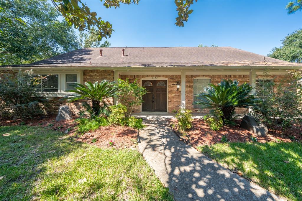 8122 Braes Meadow Drive, Houston, TX 77071