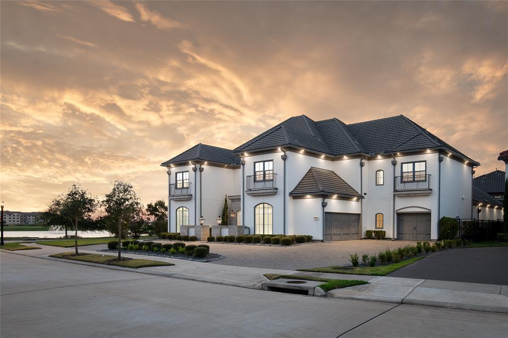71 Amber Hollow Court, Sugar Land, TX 77479