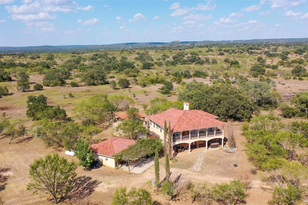 1400 Rocky Hollow Drive, Burnet, TX 78611