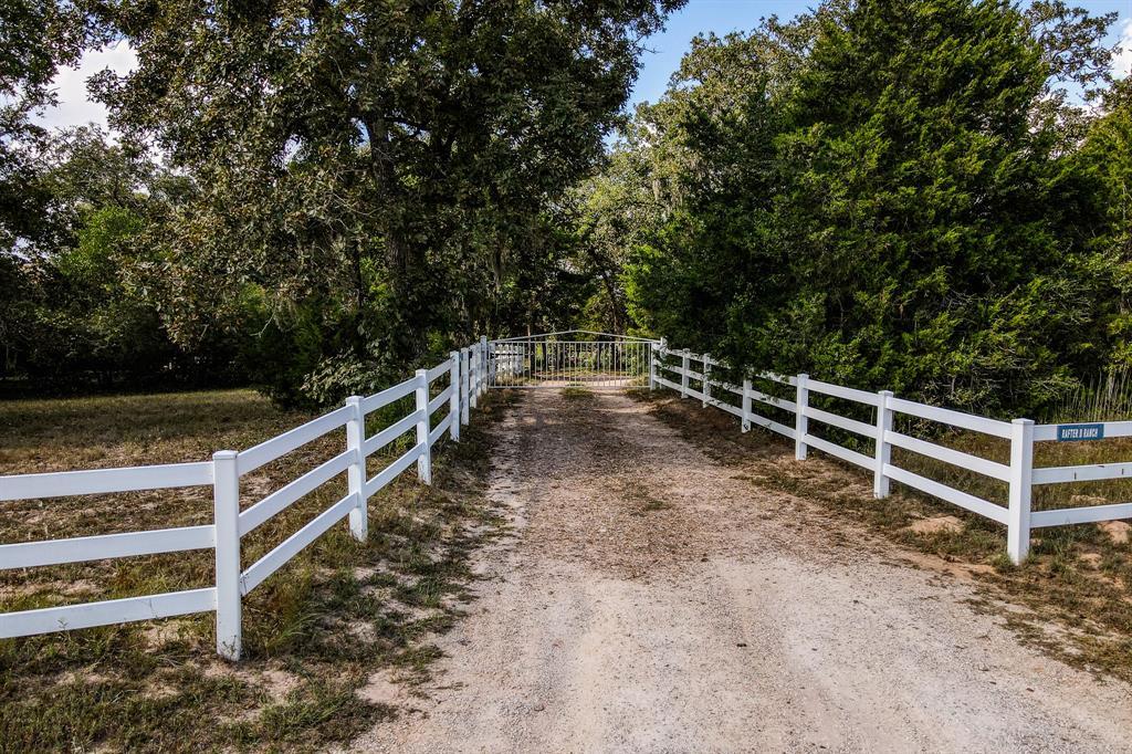827 Old Highway 36 Road, Bellville, TX 77418
