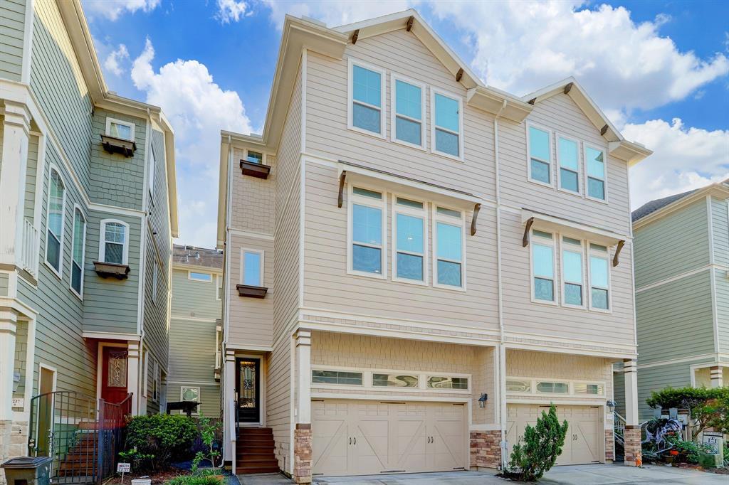 1241 3 Nelson Falls Lane, Houston, Texas 77008, 3 Bedrooms Bedrooms, 6 Rooms Rooms,3 BathroomsBathrooms,Townhouse/condo,For Sale,Nelson Falls,30990047
