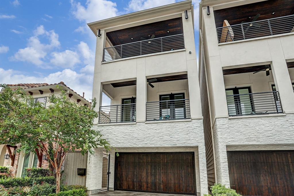 217 3 Malone Street, Houston, Texas 77007, 3 Bedrooms Bedrooms, 10 Rooms Rooms,3 BathroomsBathrooms,Single-family,For Sale,Malone,98953376