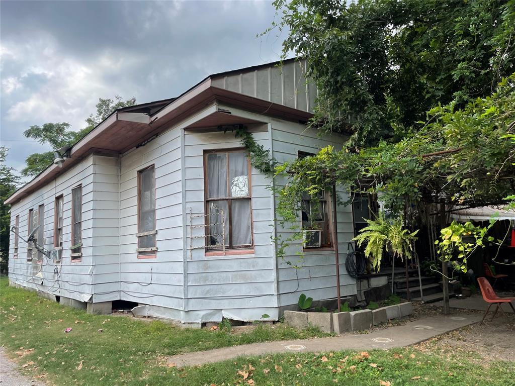 4007  Edison Street