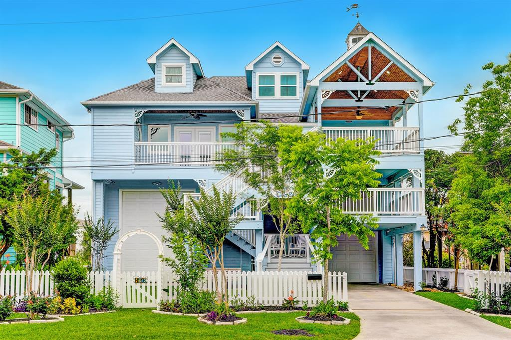 126 E Shore Drive, Clear Lake Shores, TX 77565
