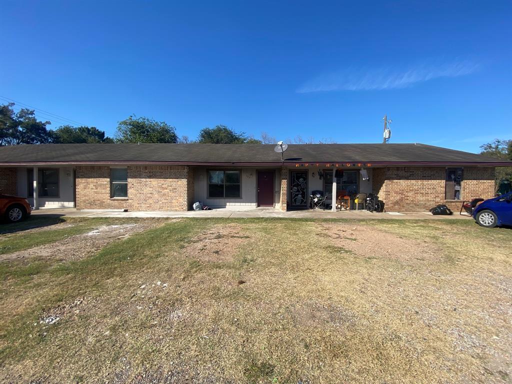 125 E Cuero Street, Giddings, TX 78942