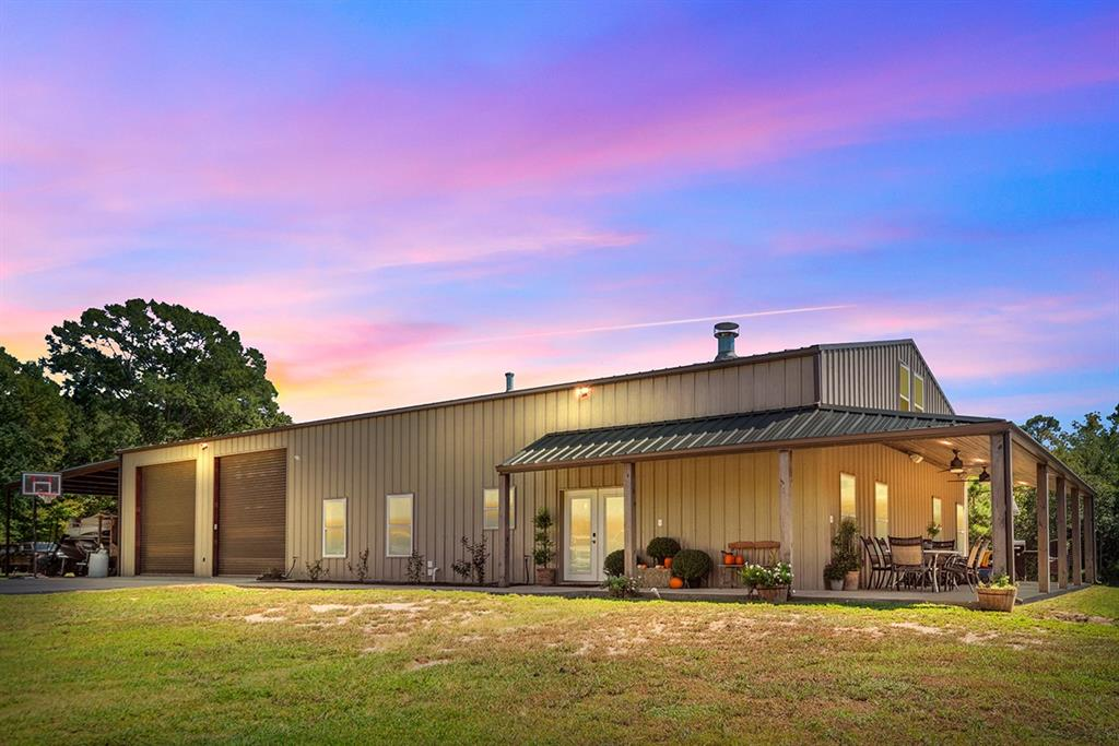 1508 Mollywood Road, Zavalla, TX 75980
