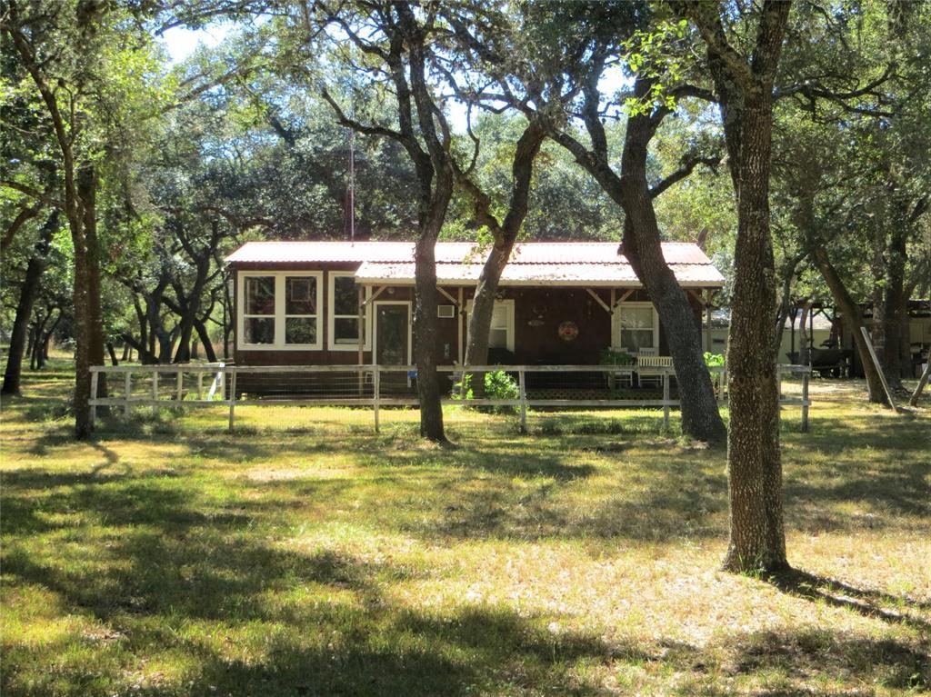 302 Bluebonnet Bend, Sheridan, TX 77475