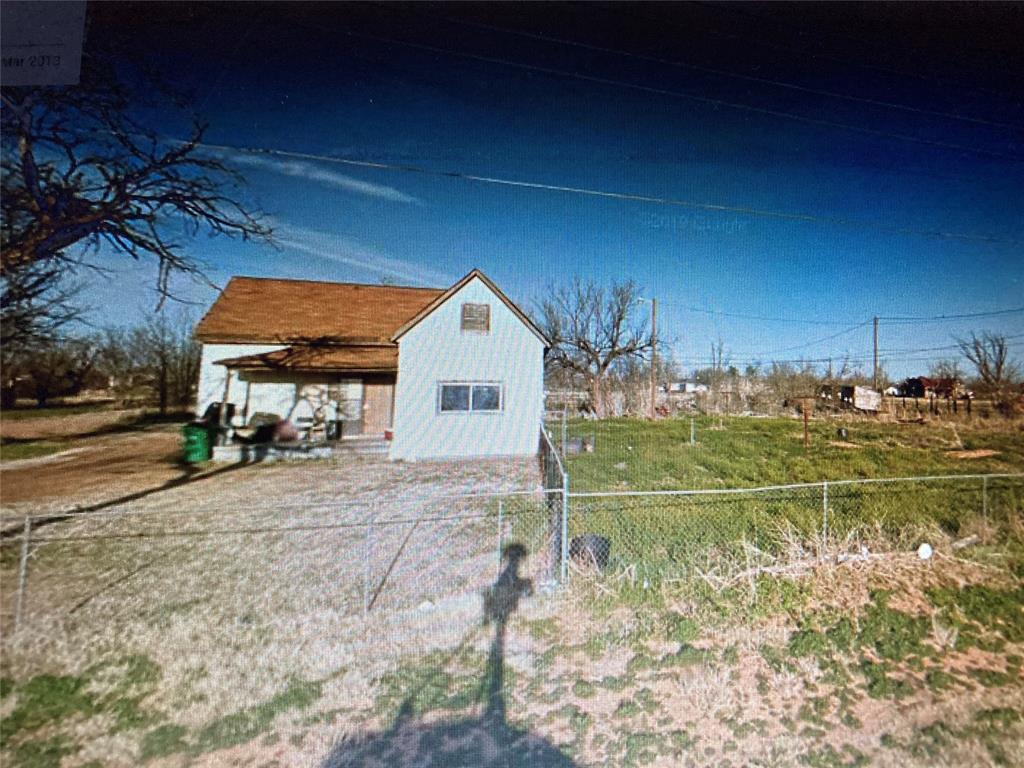 810 Good Street, Quanah, TX 79252