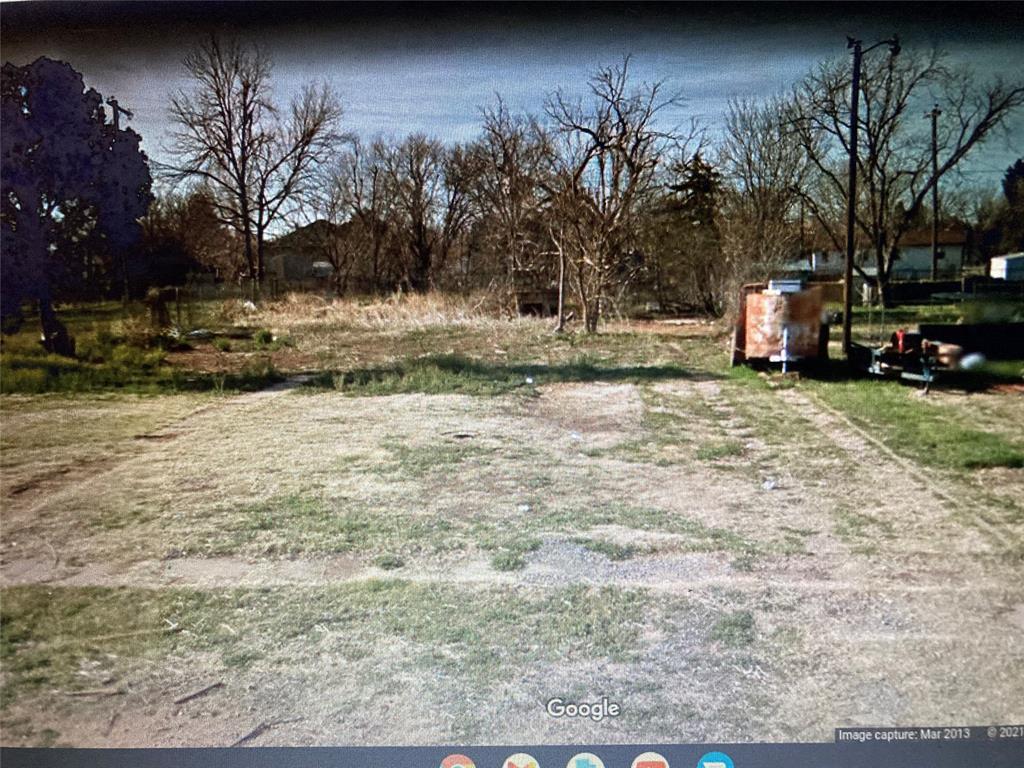 909 W 5th Street, Quanah, TX 79252