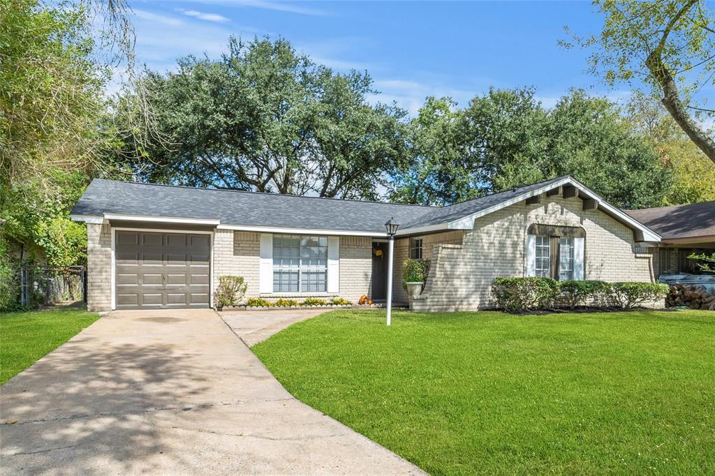 938 Forestburg Drive, Houston, TX 77038