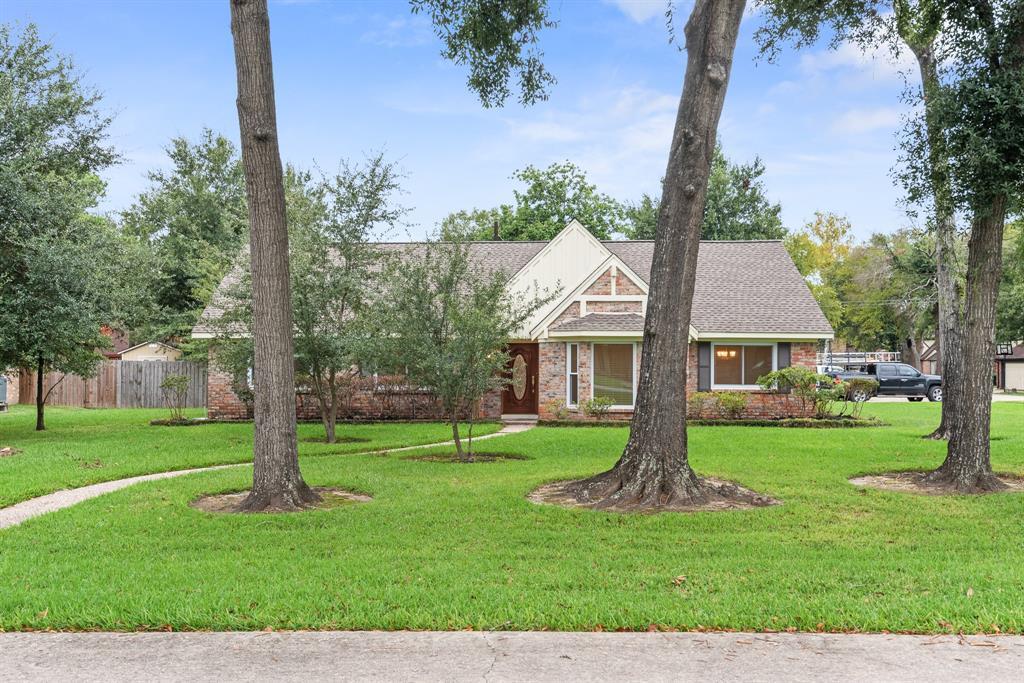 224 Post Oak Drive, Baytown, TX 77520