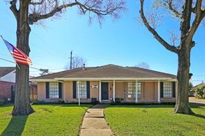 7638 Montglen Drive, Houston, TX 77061
