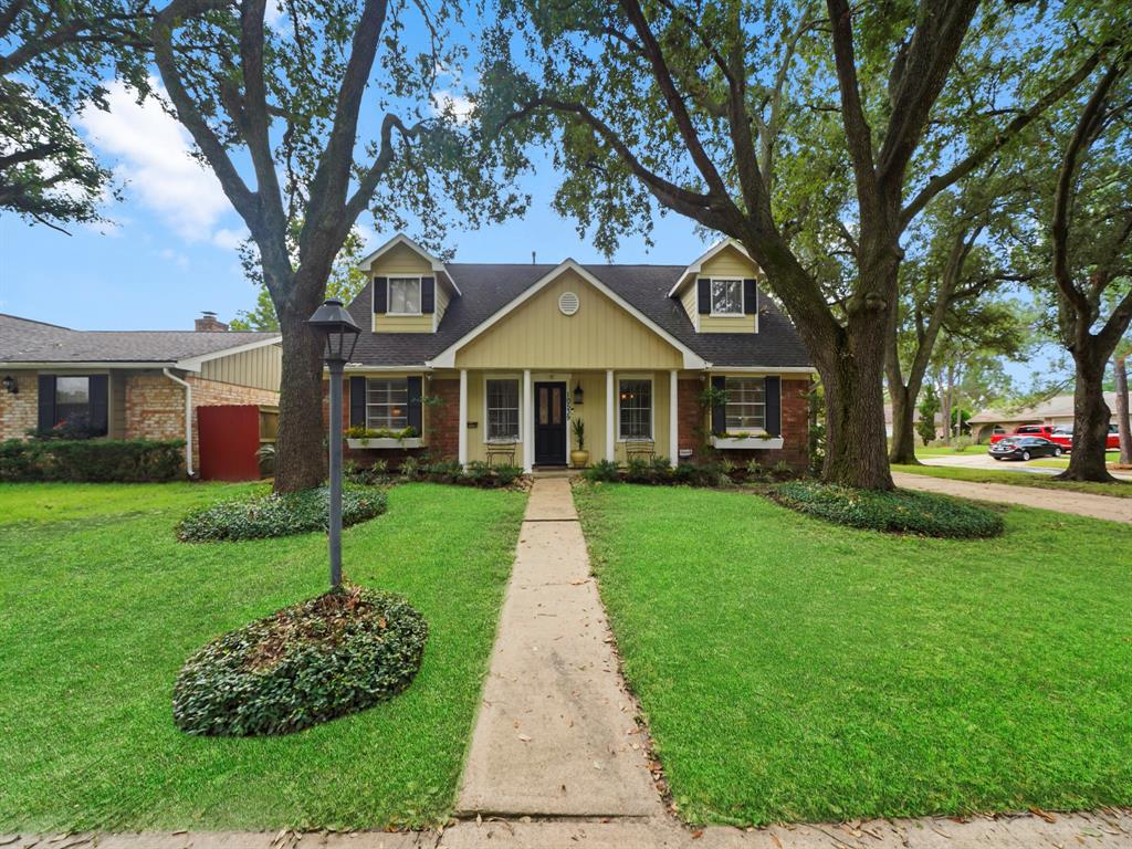 10539 Huntington View Drive, Houston, TX 77099