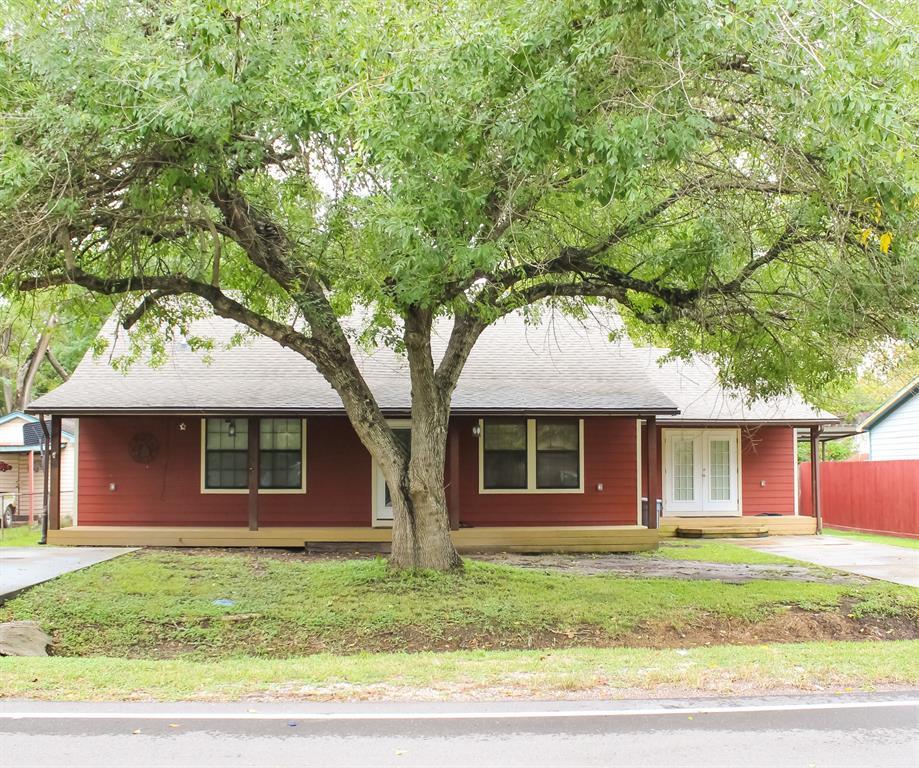 111 Begonia Lane, Highlands, TX 77562
