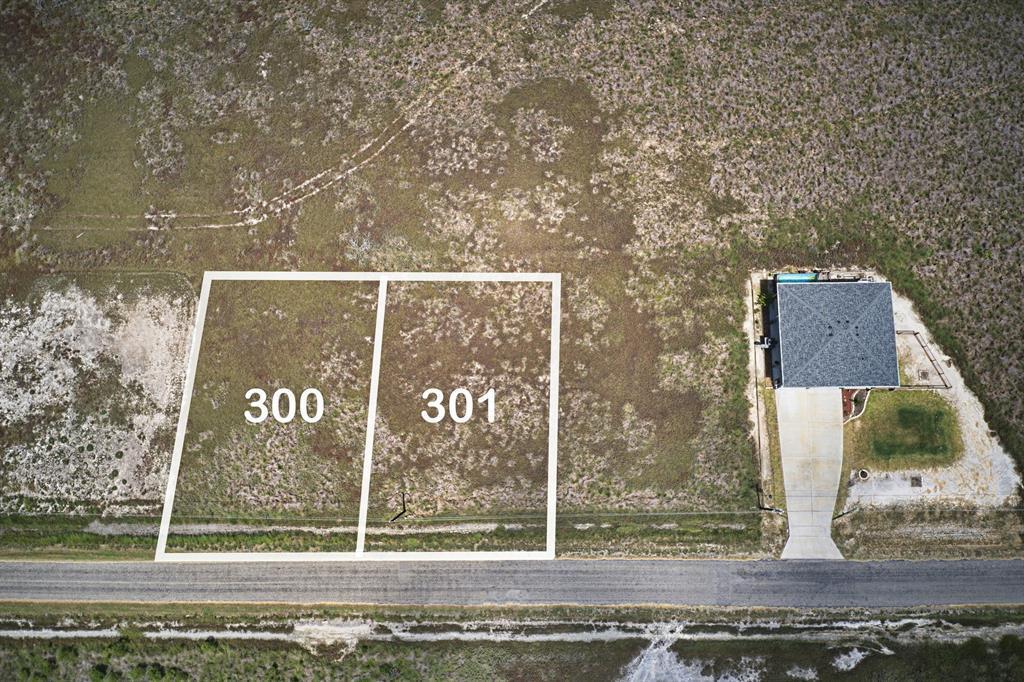 300 Kingfish Drive, Rockport, TX 78382