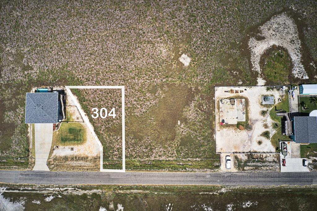 304 Kingfish Drive, Rockport, TX 78382