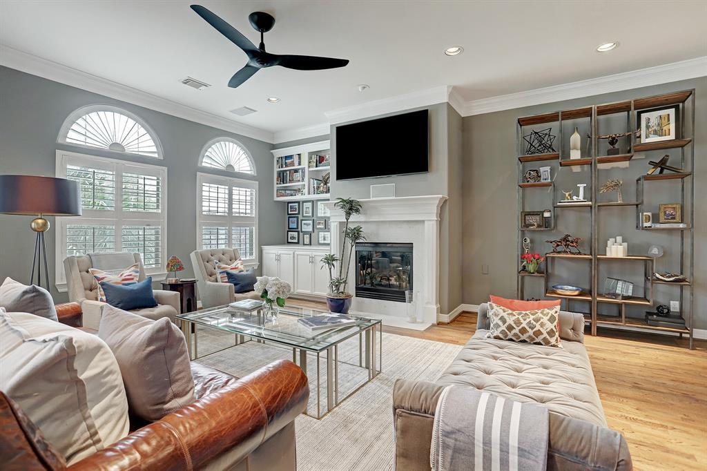 2810 3 Helena Street, Houston, Texas 77006, 3 Bedrooms Bedrooms, 5 Rooms Rooms,3 BathroomsBathrooms,Townhouse/condo,For Sale,Helena,27201136