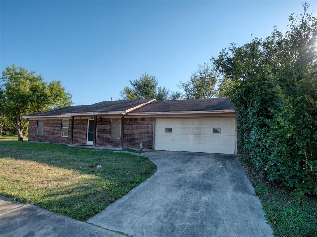 200 Heatherbrook, Somerville, TX 77879