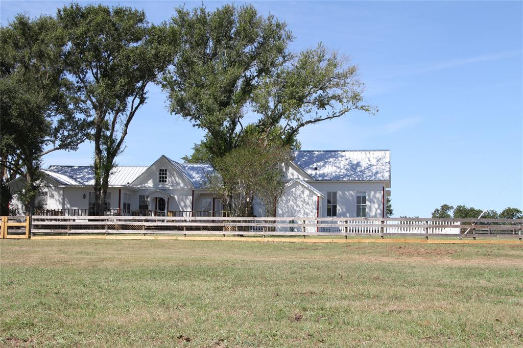 8112 Farm To Market Road 2621, Brenham, TX 77833