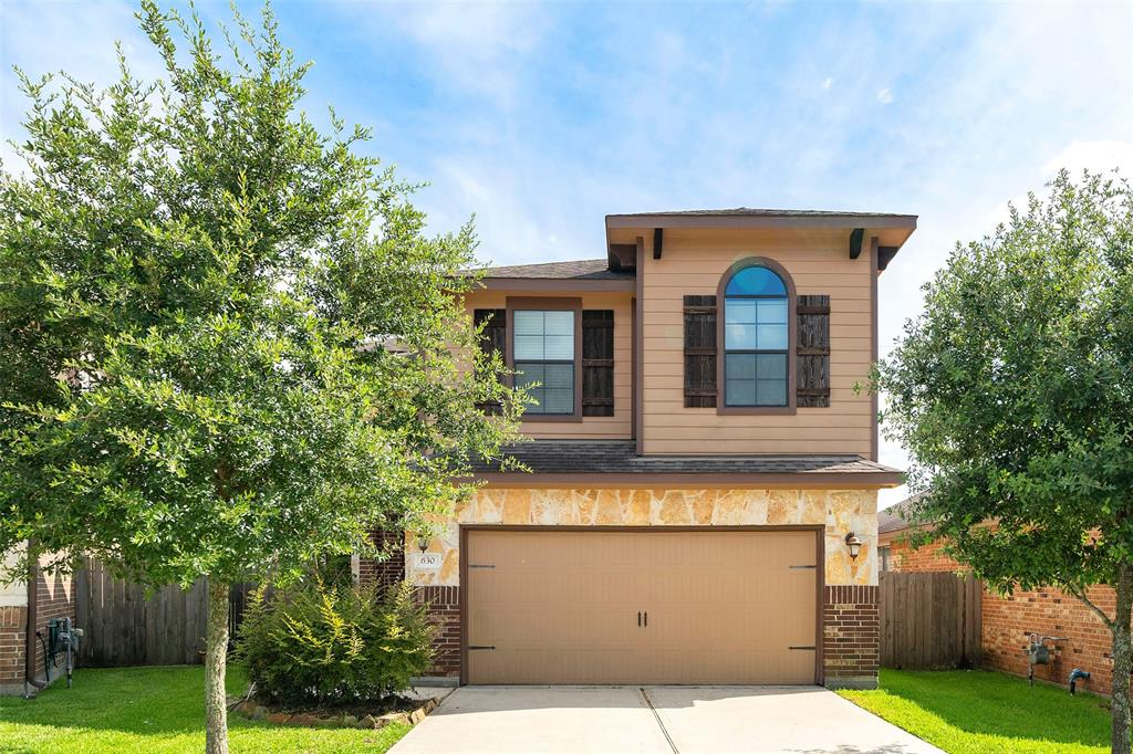 Location, location, location. 3/4 mile from I-45 and less than 2 miles to The Woodlands Mall. Siena Vista neighborhood. Almost new! Built in 2014. 4 bedrooms with dining/study and flowing open floor plan. Superb granite counters, plenty of cabinet space. Master bedroom downstairs w/separate garden tub & shower plus 3 bedrooms/2 baths and game room upstairs. Back yard patio and covered porch. Convenient to schools & shopping. Don't miss out on calling this wonderful property home!!