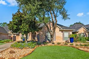27 Rockledge Drive, The Woodlands, TX 77382