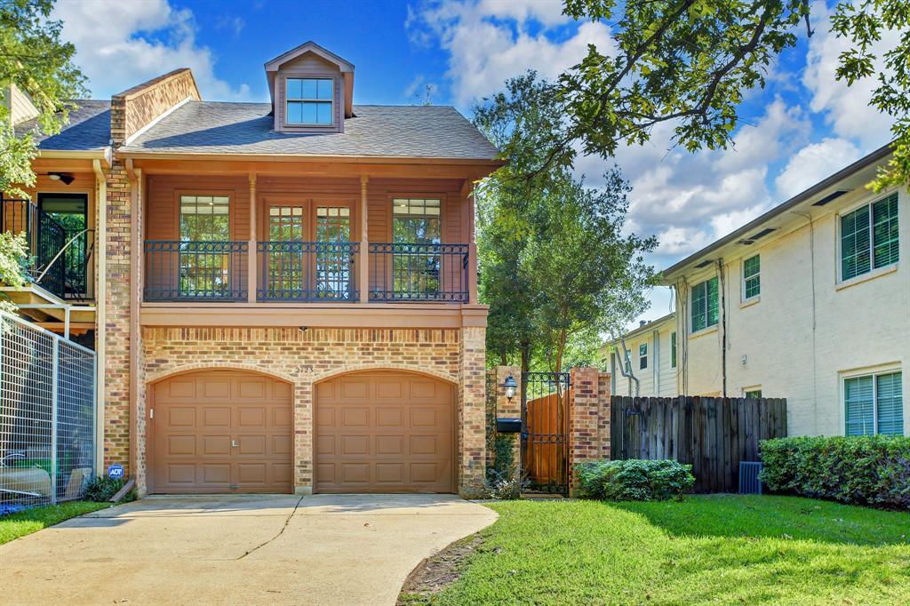 2123 2 Banks Street, Houston, Texas 77098, 3 Bedrooms Bedrooms, 10 Rooms Rooms,2 BathroomsBathrooms,Townhouse/condo,For Sale,Banks,77732867