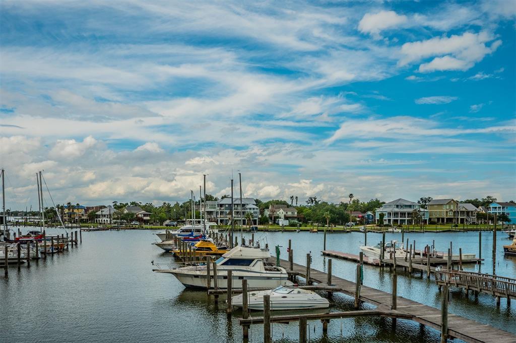 1140 1 Marina Bay Drive, Kemah, Texas 77565, 3 Bedrooms Bedrooms, 7 Rooms Rooms,2 BathroomsBathrooms,Townhouse/condo,For Sale,Marina Bay,45594825