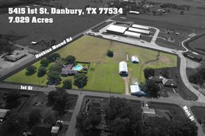 5415 1st Street, Danbury, TX 77534