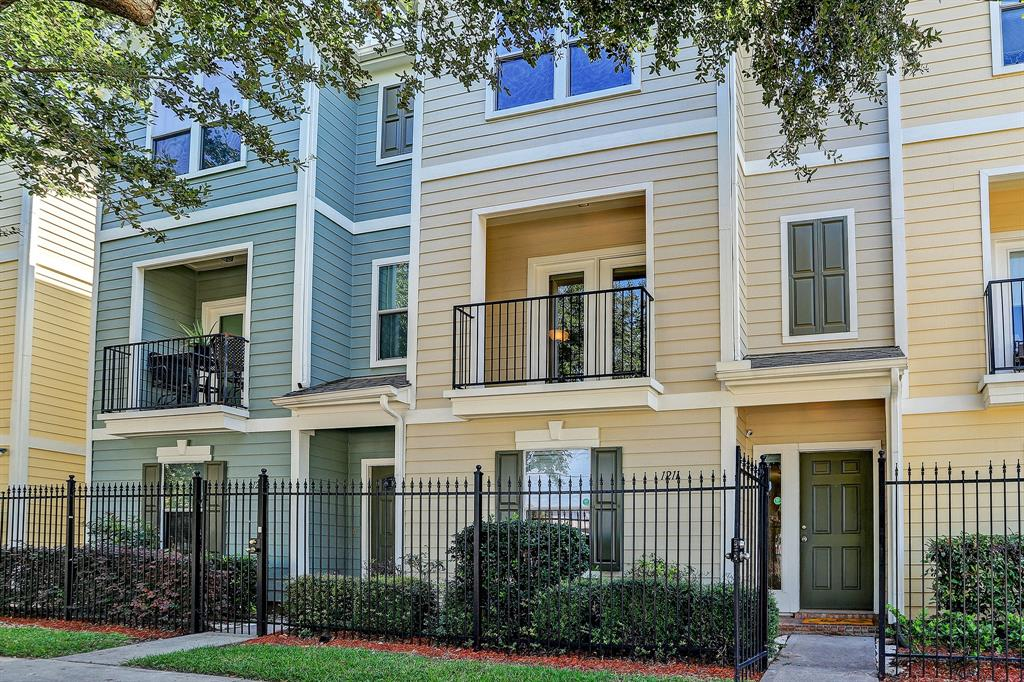 1211 3 Nagle Street, Houston, Texas 77003, 2 Bedrooms Bedrooms, 6 Rooms Rooms,2 BathroomsBathrooms,Townhouse/condo,For Sale,Nagle,41681140