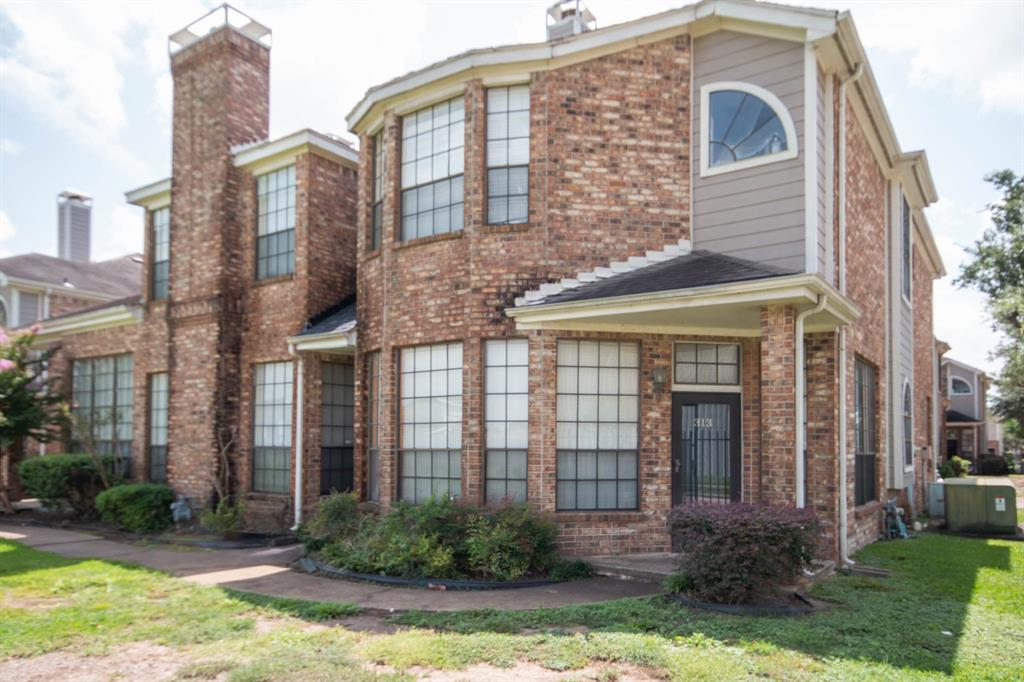8888 Benning Drive 313, Houston, TX 77031