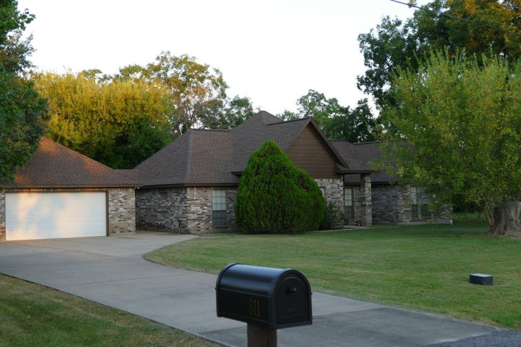 811 Steele Road, Highlands, TX 77562