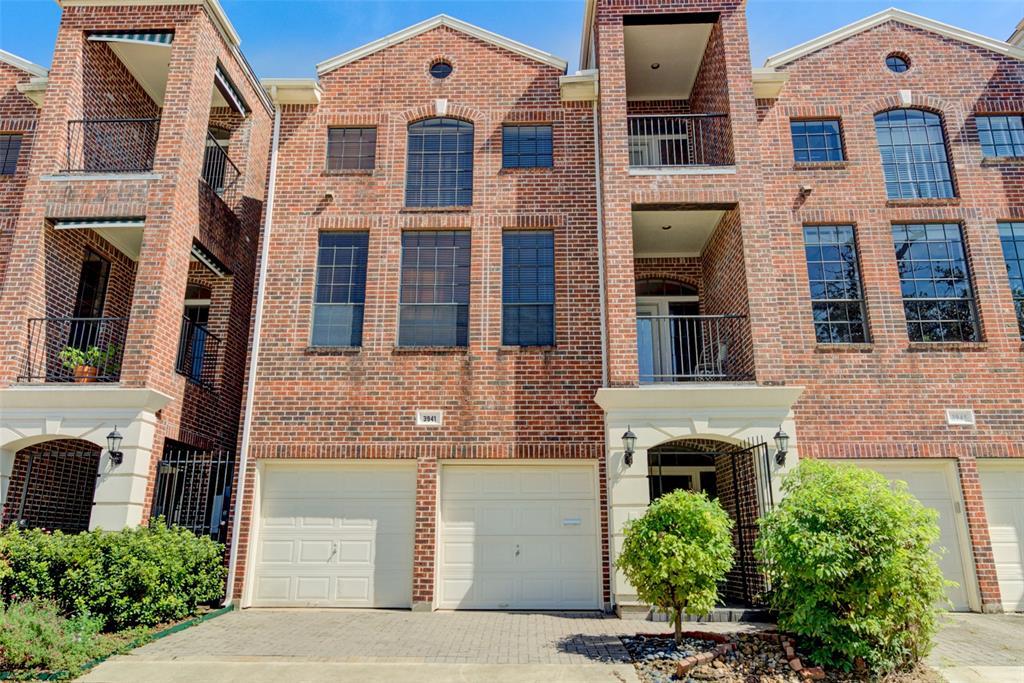 3941 3 Roseland Street, Houston, Texas 77006, 2 Bedrooms Bedrooms, 5 Rooms Rooms,2 BathroomsBathrooms,Townhouse/condo,For Sale,Roseland,53257063