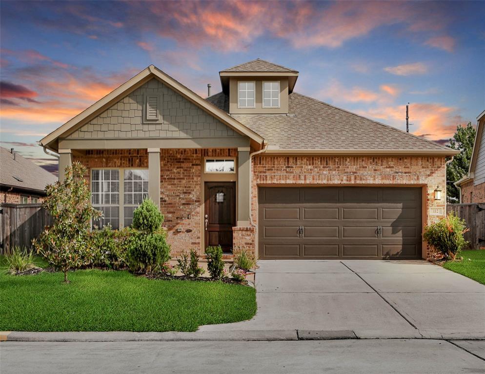 112 Castlegate Lane, Houston, TX 77065