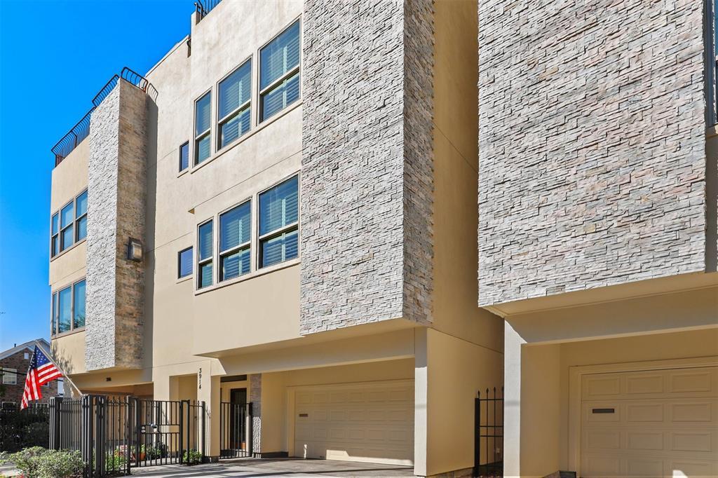 3914 3 Woodhead Street, Houston, Texas 77098, 3 Bedrooms Bedrooms, 10 Rooms Rooms,3 BathroomsBathrooms,Townhouse/condo,For Sale,Woodhead,22324885