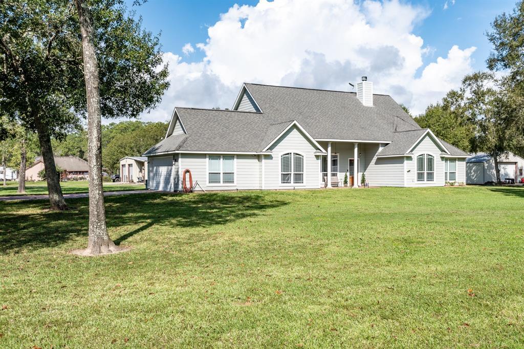 217 Indian Trails Drive, Wallisville, TX 77597