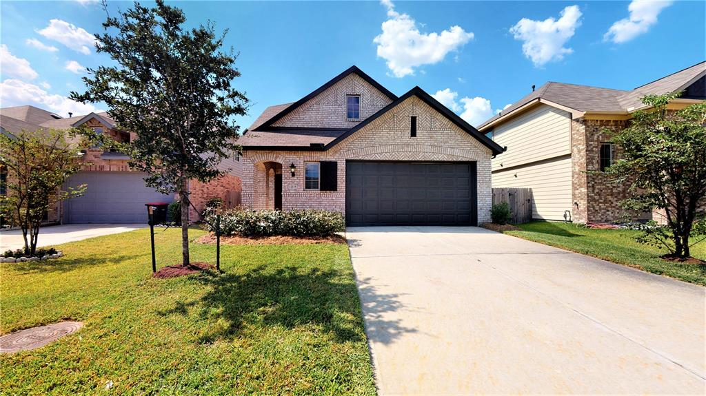 12319 Summerbrook Drive, Houston, TX 77066