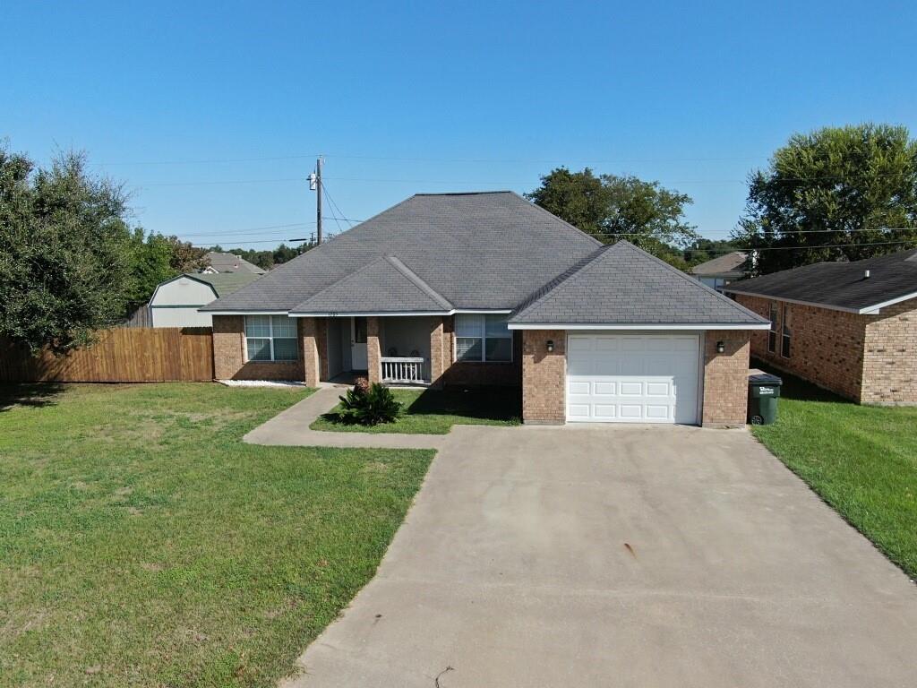 1285 E Washington Street, Giddings, TX 78942
