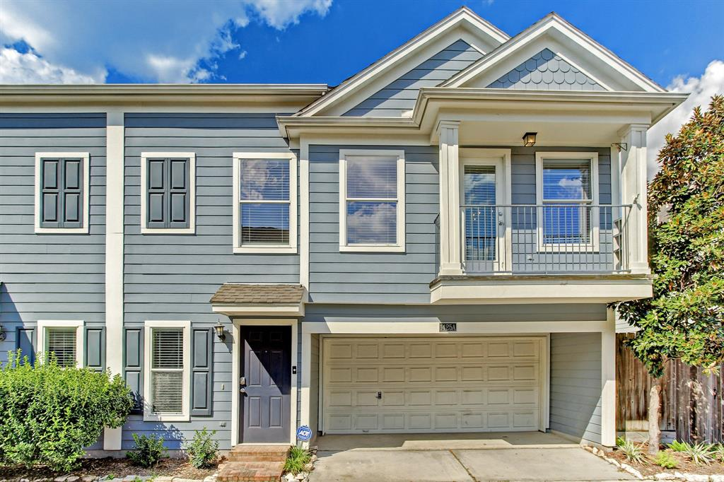 1425 3 26th Street, Houston, Texas 77008, 3 Bedrooms Bedrooms, 6 Rooms Rooms,2 BathroomsBathrooms,Townhouse/condo,For Sale,26th,13252969