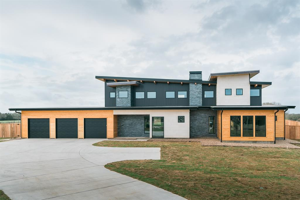 17600 Windsong Drive, College Station, TX 77845