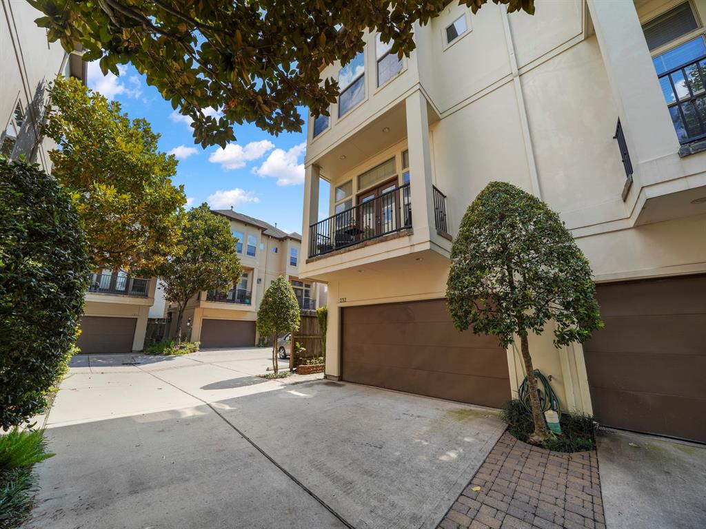 232 3 Detering Street, Houston, Texas 77007, 3 Bedrooms Bedrooms, 6 Rooms Rooms,3 BathroomsBathrooms,Townhouse/condo,For Sale,Detering,65723480