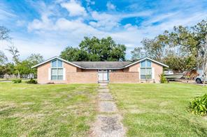 228 Seagrove Street, Shoreacres, TX 77571